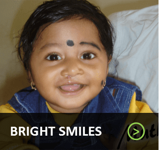 Bright Smile- Button